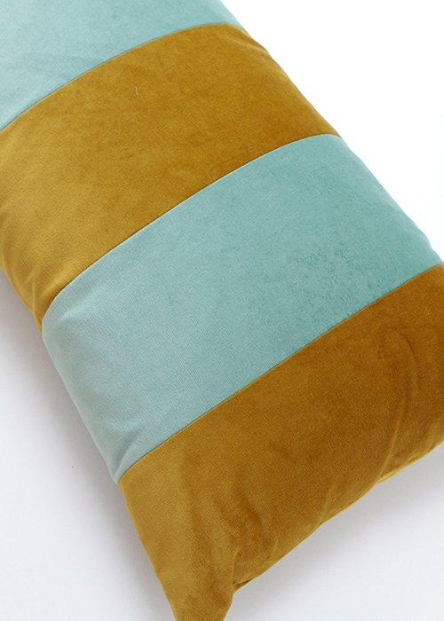 Stripe velvet golden olive/pale green 40*80 - C. Lundsteen